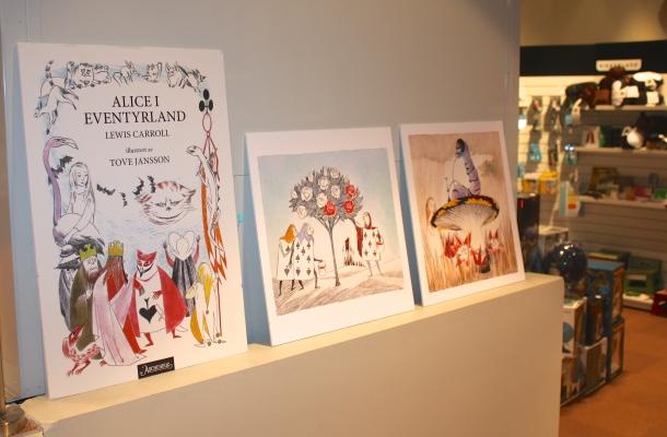 Tove Janssonin kuvittama Liisa Ihmemaassa julkaistiin tänä vuonna ensimmäistä kertaa Norjassa. Kuva: Reeta / Les! Lue!