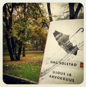Kuva: Reeta / Les! Lue! Kirjan kansi: Jenni Saari / Teos